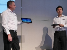 Jackson Hsaio (right), ASUS Notebook Product Manager